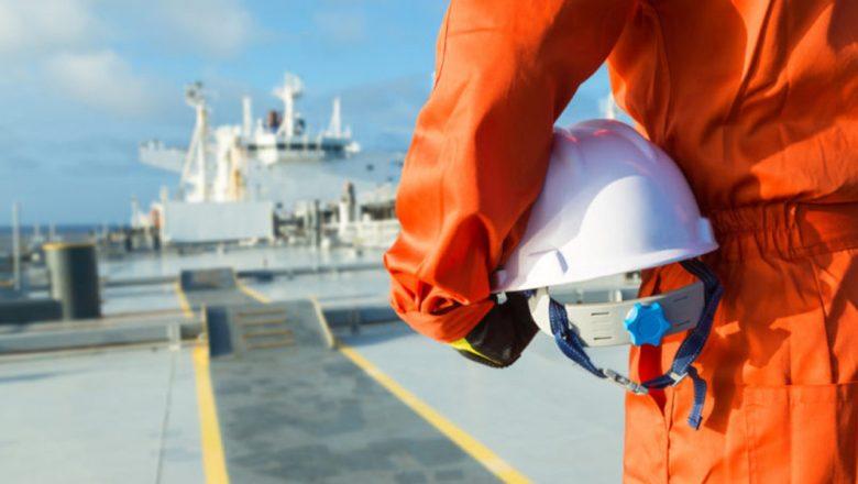 300,000 seafarers still stuck on ship