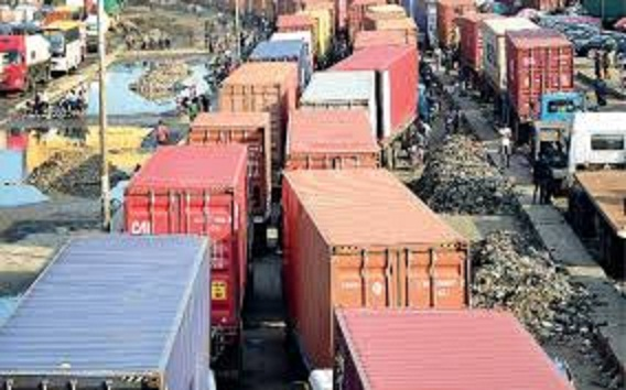 Apapa Gridlock: Importers Incur N100bn Demurrage, Storage Fees in Five Days